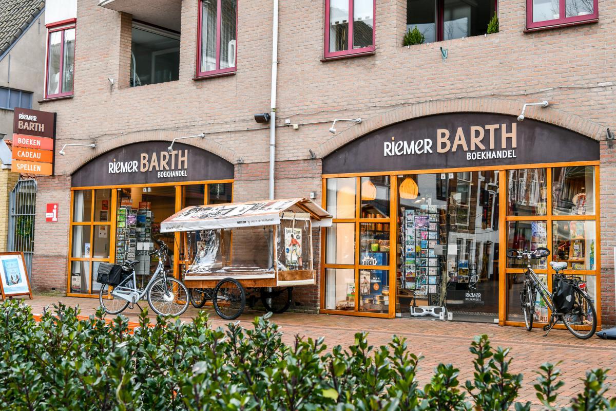 Riemer Barth Boekhandel   winkeltjes    Ontdek Meppel   Weet wat er speelt.