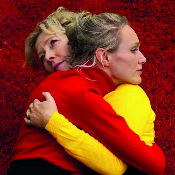 TONEEL: Een vrouw blijft thuis - theater | Ontdek Meppel | Weet wat er speelt.