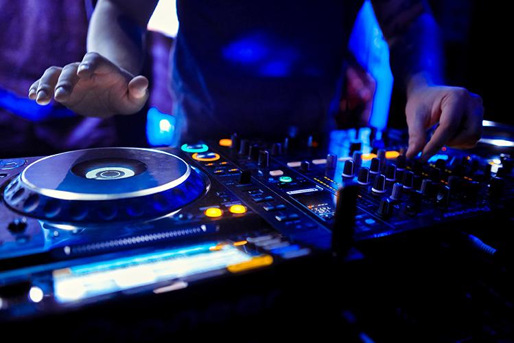 DJ Sporie Verdorie - concerten | Ontdek Meppel | Weet wat er speelt.