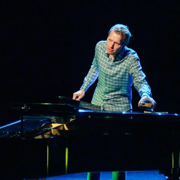 CABARET: Jan Beuving - theater | Ontdek Meppel | Weet wat er speelt.